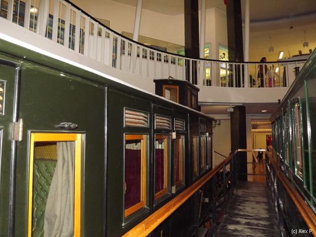 Vagoane din trenuri vechi de lux