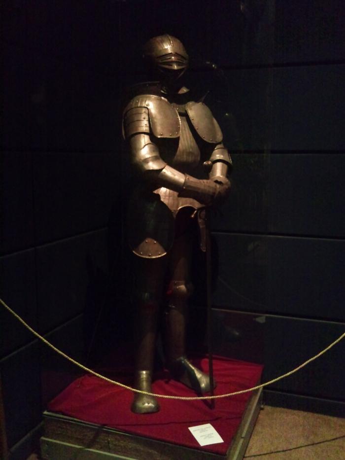 Replica a unei armuri de cavaler