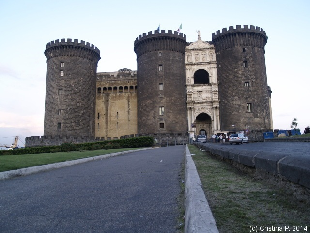 Unul din castele din Napoli